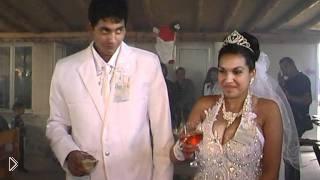 Смотреть онлайн Очень нелепая турецкая свадьба