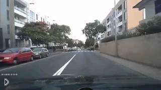 Смотреть онлайн Странное ДТП: авария при обгоне слева