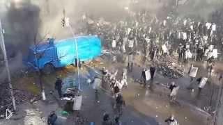 Смотреть онлайн Уличные бои на улицах Киева. Беркут атакует