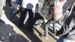 Смотреть онлайн Беркут и наемники добивают митингующих