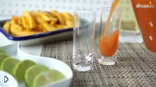 Смотреть онлайн Готовим коктейль Сангрита к текиле