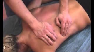 Смотреть онлайн Лечебный массаж спины при сколиозе