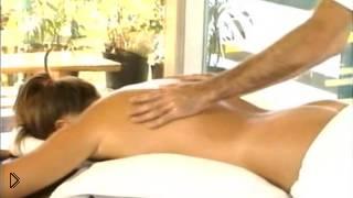 Смотреть онлайн Как научится профессионально делать массаж