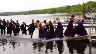 Смотреть онлайн Эпик фэйл на свадьбе. Гости ушли под воду