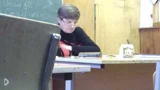 Смотреть онлайн Преподаватель уснула посреди лекции
