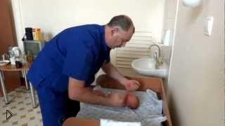 Смотреть онлайн Вот как работает опытный детский ортопед, шок!