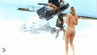 Смотреть онлайн Чудо спасло девушку от гибели на Багамах