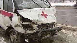 Смотреть онлайн Подборка: ДТП с участием карет скорой помощи