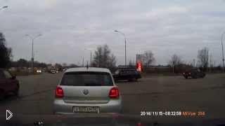 Смотреть онлайн Авария с тремя участниками: Саров, 15.11.2014