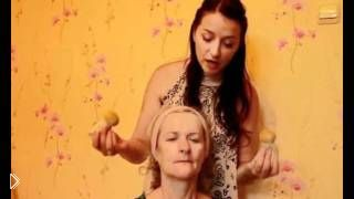 Смотреть онлайн Урок тайского массажа травяными мешочками
