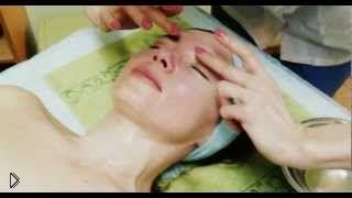 Смотреть онлайн Обучение аюрведическому масляному массажу лица