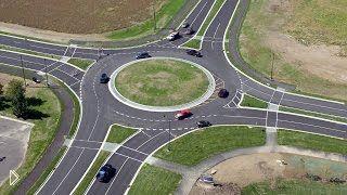 Смотреть онлайн Проезжаем круговой перекресток, что нужно знать
