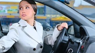 Смотреть онлайн Секреты движения автомобиля задним ходом