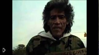 Смотреть онлайн Бездомный мужчина с шикарным голосом