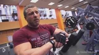 Смотреть онлайн Комплекс эффективных упражнений на трицепс в зале