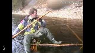 Смотреть онлайн Плот своими руками для переправки через реку