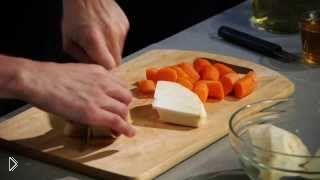 Смотреть онлайн Готовим в духовке запеченного цыпленка в вине