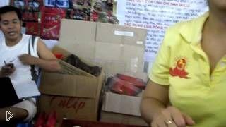 Смотреть онлайн Интересное о вьетнамском рынке барахолки в Нячанге