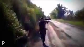 Смотреть онлайн Украинские бойцы разгромили колонну донбасских сепаратистов