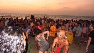 Смотреть онлайн Сансет на пляже Арамболь в Гоа
