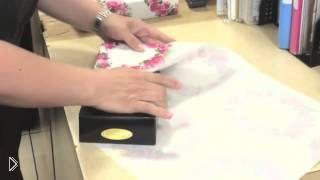 Смотреть онлайн Как упаковать коробку в подарочную бумагу