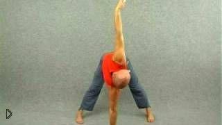 Смотреть онлайн Одна из основных асан йоги для начинающих