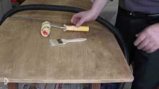 Смотреть онлайн Как правильно покрыть лаком деревянный стол