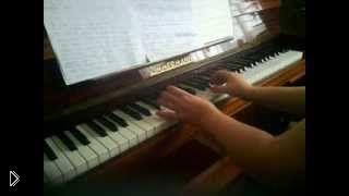 Смотреть онлайн Урок фортепиано для начинающих: главные трезвучия