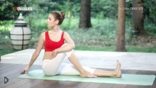 Смотреть онлайн Урок йоги: развитие гибкости для начинающих