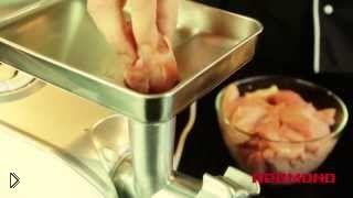 Смотреть онлайн Ветчина из индейки с куриными сердечками