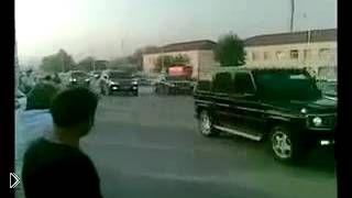 Смотреть онлайн Кортеж иномарок чеченской мафии