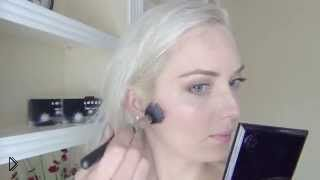 Смотреть онлайн Очень легкий ежедневный макияж