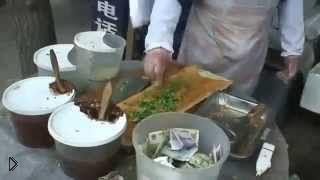 Смотреть онлайн Приготовление необычного китайского фастфуда