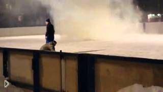 Смотреть онлайн Драка с хулиганами на коньках