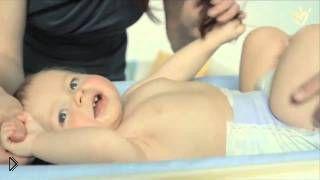 Смотреть онлайн Как сделать домашний общеукрепляющий массаж ребенку