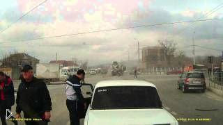Смотреть онлайн У фуры отказали тормоза: Новороссийск, 27.01.15