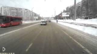 Смотреть онлайн Бомбила подставил ехавшего сзади водителя