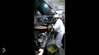 Смотреть онлайн Азиатский повар 130lvl жарит рис для банкета