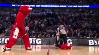 Приколы со смешным баскетбольным талисманом - Видео онлайн