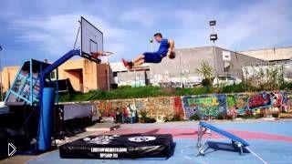 Смотреть онлайн Невероятные баскетбольные трюки: владыки гравитации