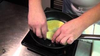 Смотреть онлайн Как приготовить японский омлет Томаго для суши