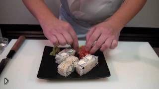 Смотреть онлайн Роллы со сливочным и плавленным сыром