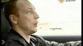 Смотреть онлайн Как необходимо правильно водить автомобиль по лужам