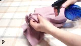 Смотреть онлайн Как правильно обработать низ косой юбки своими руками