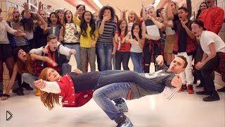 Смотреть онлайн Крутой танцевальный баттл в школе