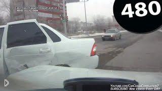 Смотреть онлайн Подборка аварий за февраль 2015 года