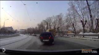 Смотреть онлайн Нападение на водителя за то, что он не дал прикурить