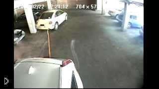 Смотреть онлайн Мужчины решили проучить автоледи на парковке