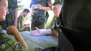Смотреть онлайн Командир ловко ругается матом на своих солдат
