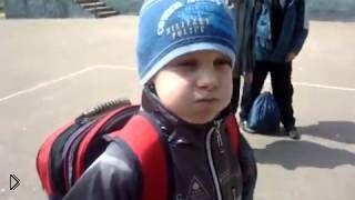 Смотреть онлайн Талантливый мальчик умеет говорить с закрытым ртом